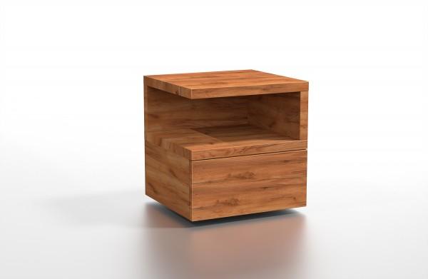 Masivní dřevěný noční stolek Lemural