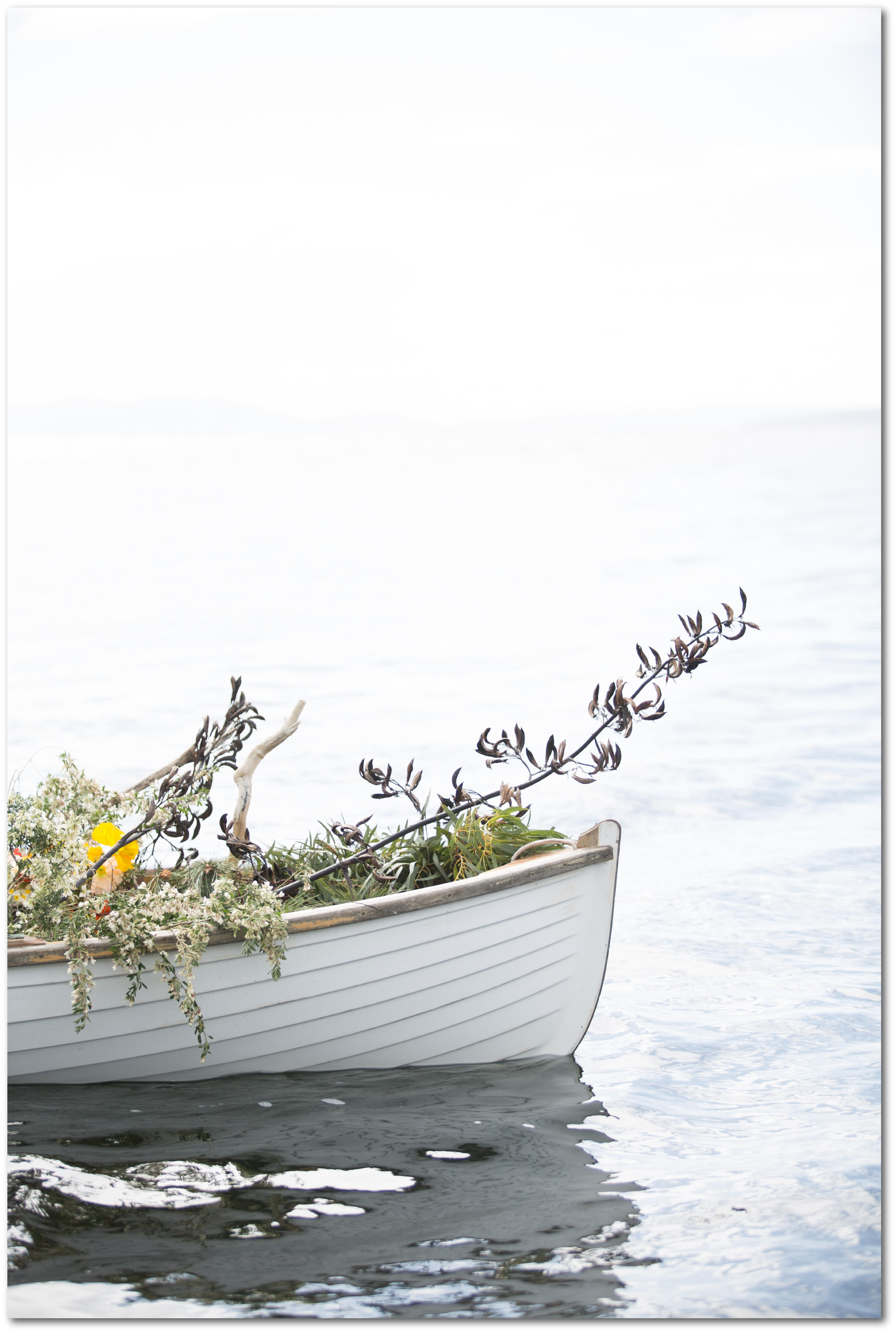Obraz na plátno bílá loďka 100x70cm možnost zvolit vlastní velikost